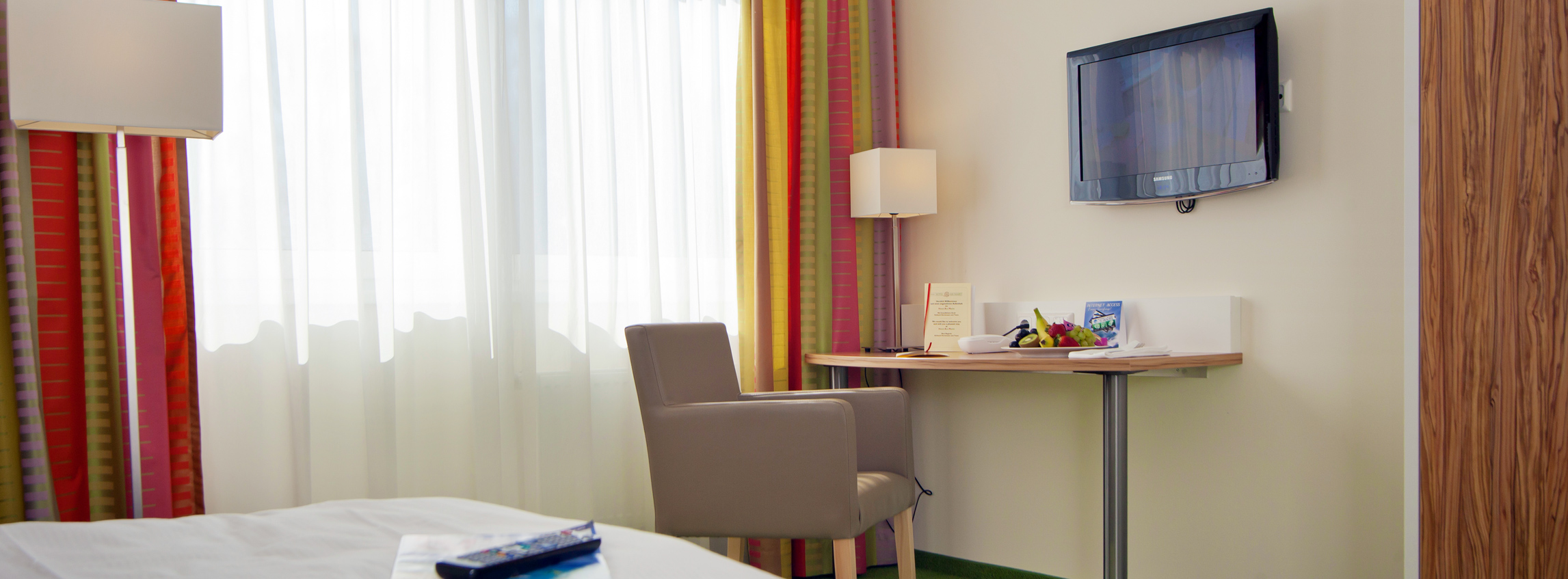 https://www.hotel-bad-honnef.de/wp-content/uploads/2016/08/Slider_Zimmer3.jpg
